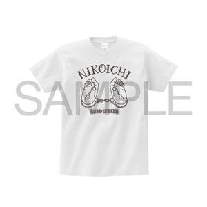 HISATOMI & 寿君「NIKOICHI Tシャツ」(White)